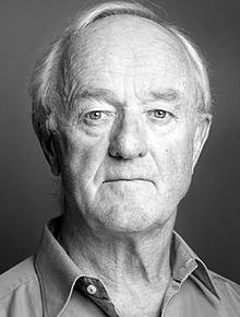 frank_kelly_greyscale_studio_photo