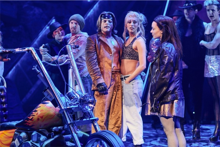 DCLtoR-Giovanni-Spano-as-Ledoux-Amy-Di-Bartolomeo-Christina-Bennington-as-Raven-in-BAT-OUT-OF-HELL-THE-MUSICAL-credit-Specular.jpg