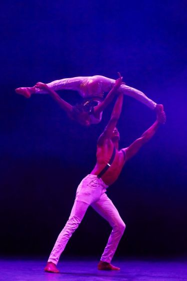 Circus Abyssinia - Hand-to-Hand1 (Photo Credit - Andy Phillipson)_preview